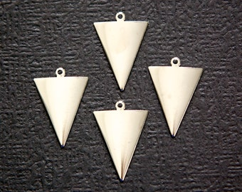 1 Loop Dapped Silver Plated Triangle Pendant Findings (8) mtl383C