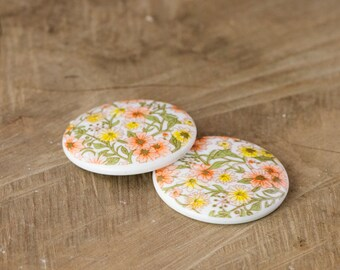 Vintage Yellow White All Over Floral Cabochon 35mm (2) cab018