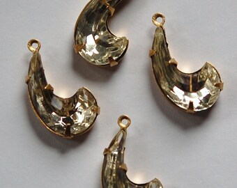 Vintage Clear Glass Comma Stone in 1 Loop Brass Setting (4) par008