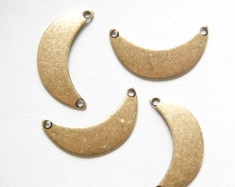 2 Hole Brass Ox Small Crescent Pendant Connector 22mmx12mm (8) mtl388C