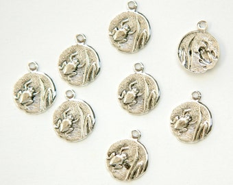 Antiqued Silver Plated Frog in Reeds Charm Drops with Loop (8) chr051E DISCONTINUED