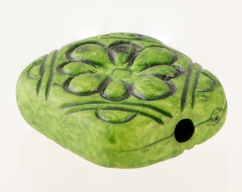 Grass Green Etched Floral Tablet Beads bds380