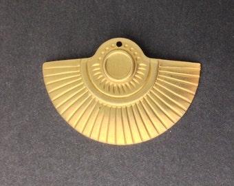 1 Hole Raw Brass Fan Tribal Pendant with 6mm Setting (4) mtl367B
