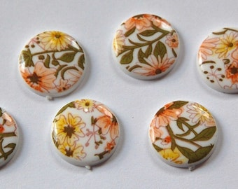 Vintage Yellow White All Over Floral Cabochon 15mm cab013