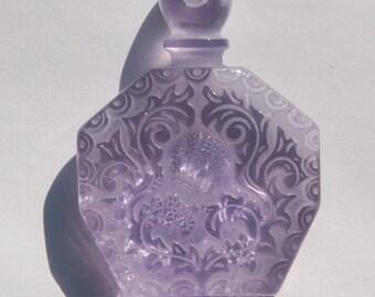 Vintage Soft Purple Etched Faux Perfume Lucite Bottle Pendant pnd064B