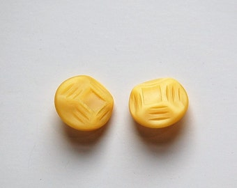 Vintage Etched Geometric Yellow Plastic Buttons SM btn030G