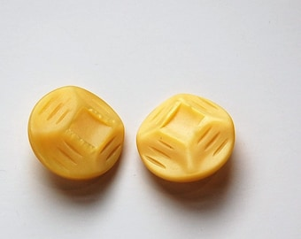 Vintage Etched Geometric Yellow Plastic Buttons MD btn030D