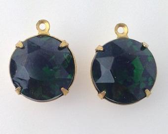 Vintage Turmalin Faceted Glass Stones 2 Loop Brass Settings 15mm (2) rnd012M