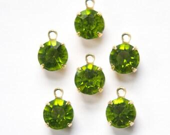 Vintage Olivine Green Faceted Glass Stones 1 Loop Brass Settings 8.5mm (6) rnd009B