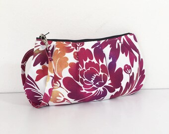Pleated Wristlet Zipper Pouch // Clutch - Ombre Purple