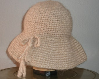 a55a69e6a6c338 60s ladies winter hat made in Italy exclusively for Bloomingdale's, coffee  with cream colored knit hat, wide brim winter yarn hat+tassels.