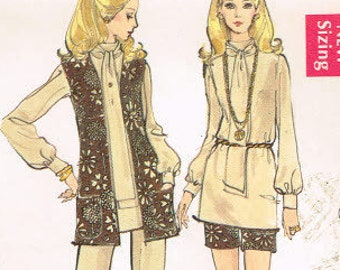 A-line skirt, boot cut pants, cuff blouse and cardigan jacket Vintage 1970s vtg Sewing Pattern for Women in Misses and Plus Size 7781 Vogue