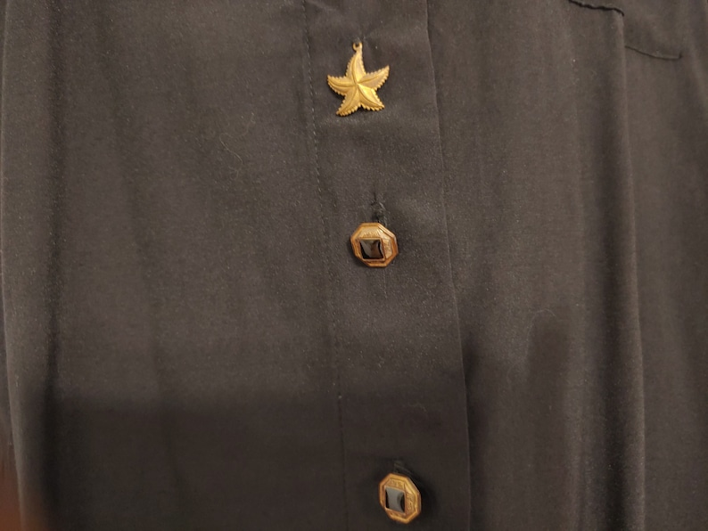 90s Black work blouse with front pocket and fairy key and diamond charm buttons for Women Size 10 by Gianna Vtg Business Clothes B5-2245