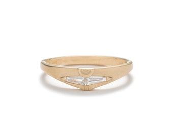 Spero Ring - 14k Gold - Double tapered baguette diamond ring