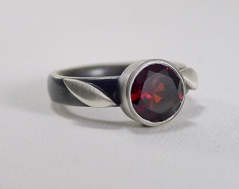 Sterling and Garnet ring with Leaves - R0210