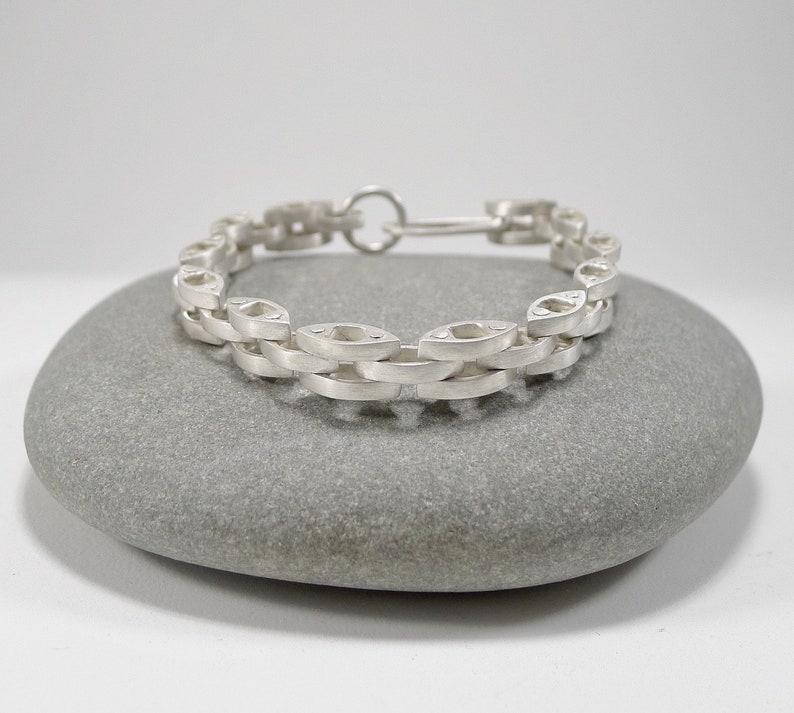Beautiful Sterling Silver Link Bracelet  B0250 image 0