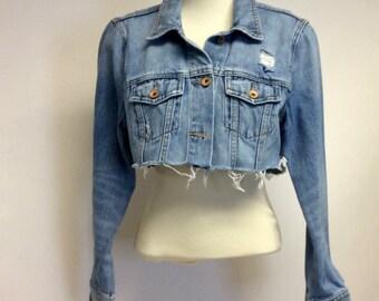 c1dac570945 Tattered Cropped Vintage denim jacket S
