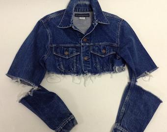 d4b6e4eef24 Raw Destroyed Tattered Cropped Vintage denim jacket M/L