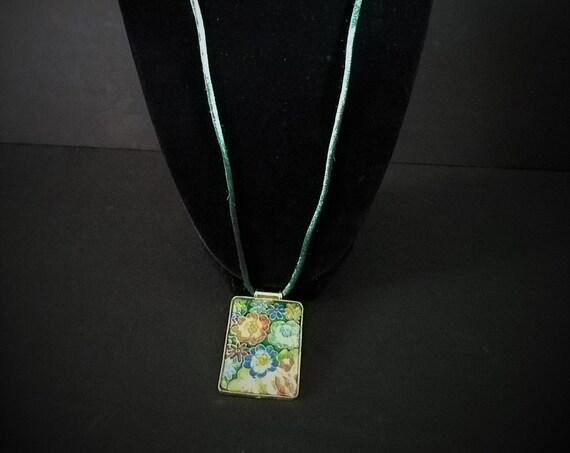 Cloissonne Pendant necklace