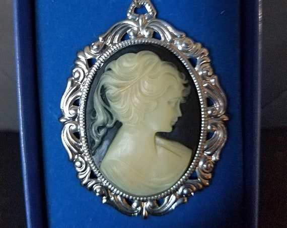 Black and White Silver Plated Cameo