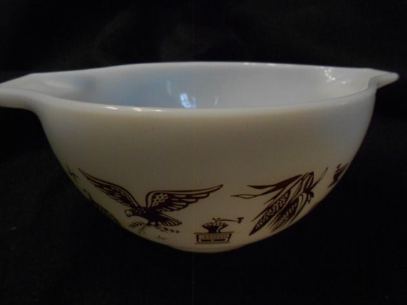 Pyrex/Early American/Eagle/Small Bowl/Mid Century