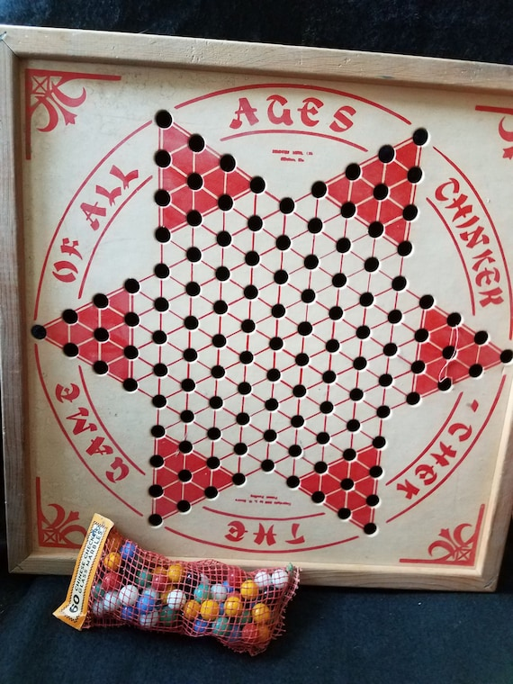Vintage/Chinese Checkers/Chinicek Chek/1930s
