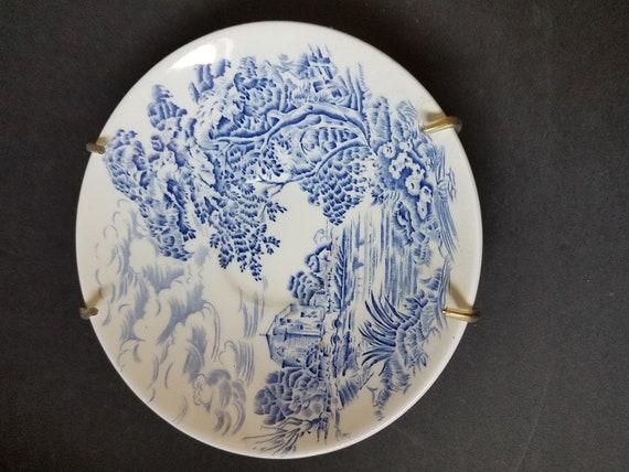 "Wedgewood ""Countryside"" Plate"
