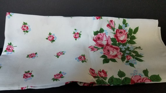1950s Rose Tablecloth