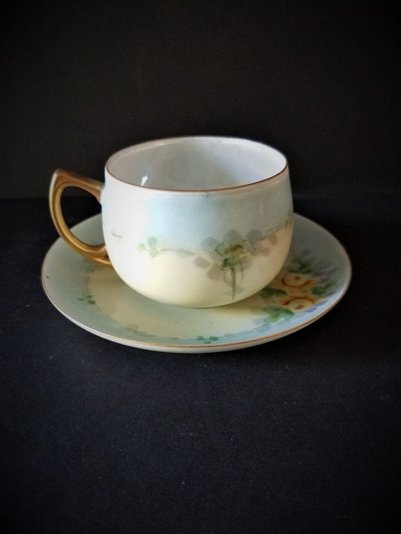 Matte Finish Tea Cup with Lusterware Inside