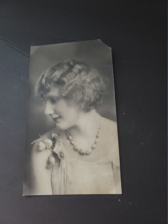 1920s Photograph of Lady