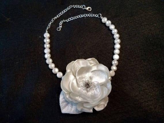 White/Pearl/Choker