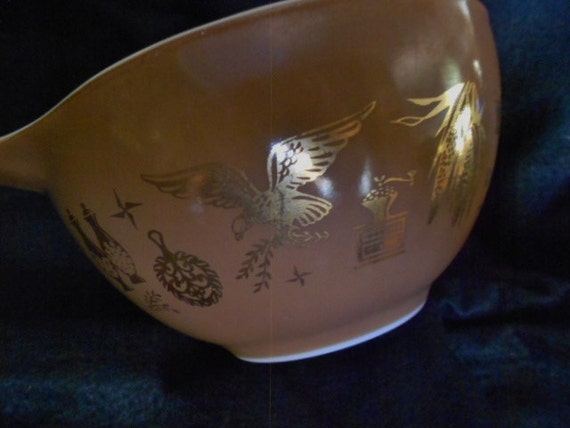 Pyrex/Small Mixing Bowl/Mid Century/Brown and Gold