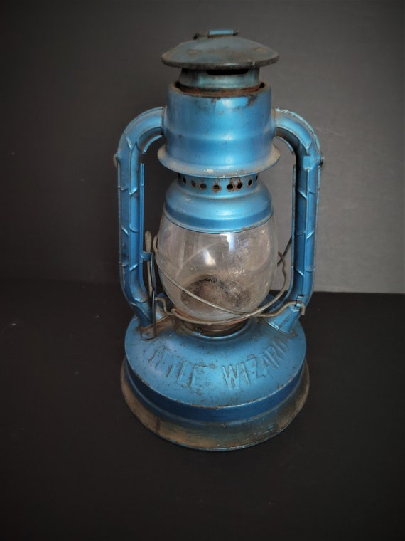 Dietz Little Wizard in Lantern Blue  with Clear Globe