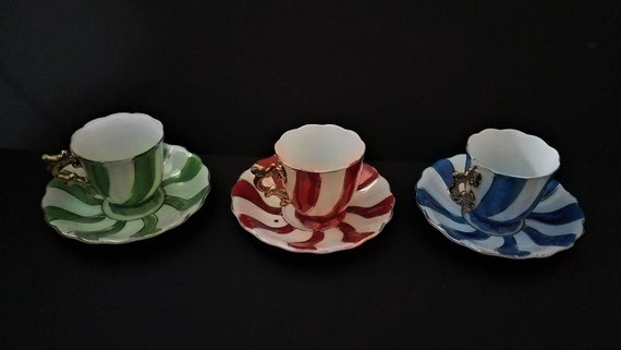 Set of 3 Pinwheel Demitasse Cups and Saucers circa 1930s