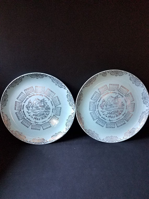 1963 Pebbleford Calendar Plates in Turquoise