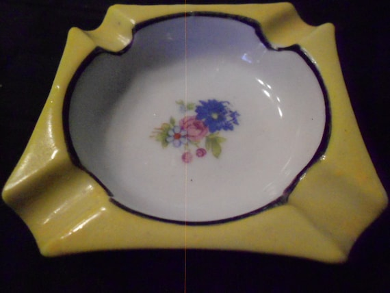 Ashtray/ Vintage/ Ladies/ Japan/ 1950s/Yellow