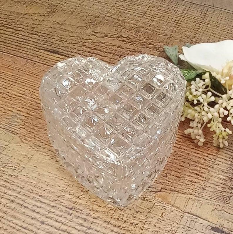 Beautiful Vintage Crystal Trinket Dish Vintage Crystal Ring Dish lidded crystal Heart Dish