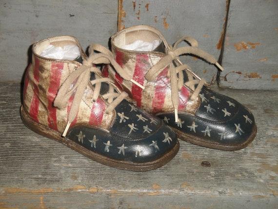 Primitive Americana dur bambin semelle chaussures | Vieilles chaussures de de de bébé | Chaussures de bébé Vintage | Antique chaussures de bébé | Old Glory | Bleu blanc rouge | Matériaux Soigneusement Sélectionnés  a1788f