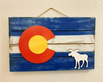 Colorado Flag with Moose, Christmas Gift, Wall Decor, Wood Pallet Style Sign