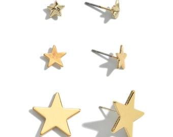 GOLD STAR post earrings