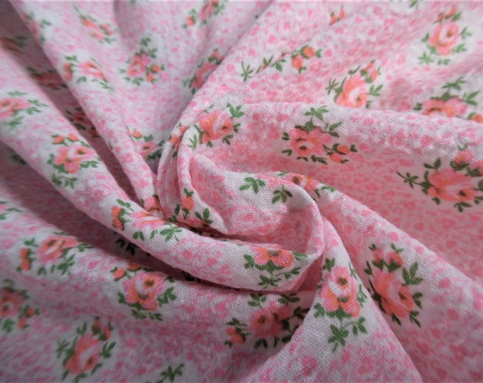 """Vintage Cotton Plisse' Remnant~Rose Cluster Print~Pink/Green/White~12""""x35""""~Doll Fabric"""