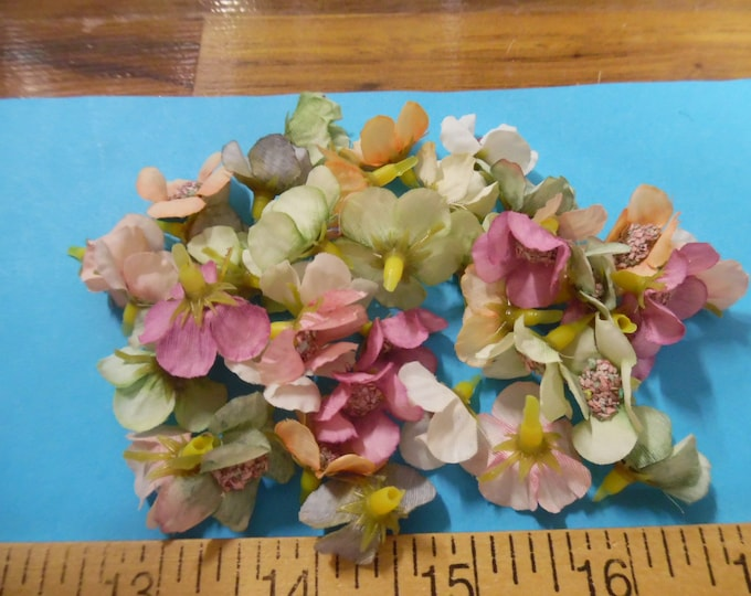 """Small 1"""" Silk Flower Heads~Assorted Colors~40+ Pieces~Great For Doll Hats!"""