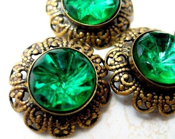 BANANA BOB - Vintage Emeral Green Filigree Rhinestone Findings - 2