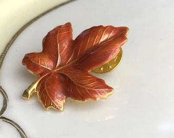 Vintage designer KENNETH COLE  Maple Autumn Leaf Goldtoned Pin Gift Boxed