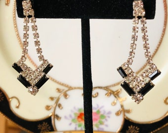 Vintage Stunning Crystal and Onyx Rhinestone Earrings Gift Boxed