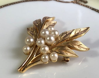 CROWN TRIFARI Brooch with Pearls/Gift boxed