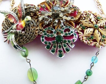 statement necklace, It's a massive bling thing