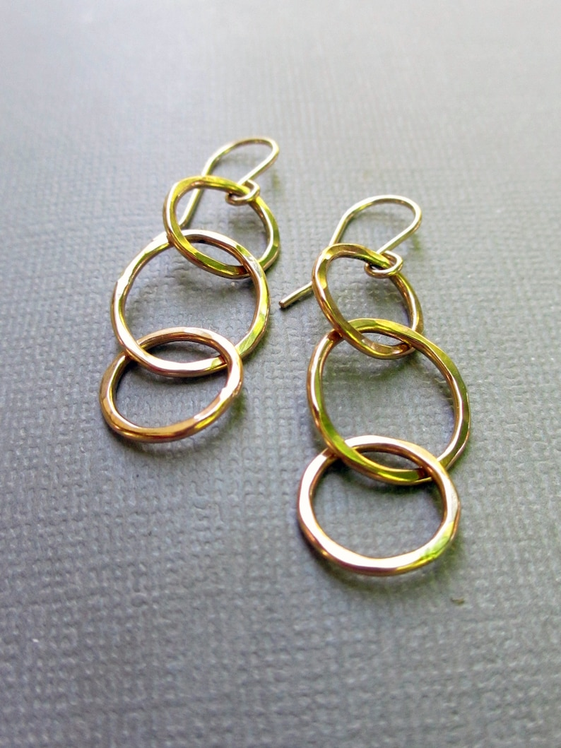 Gold Linked Circle Earrings  Hammered Gold 3 Circle Earrings image 0
