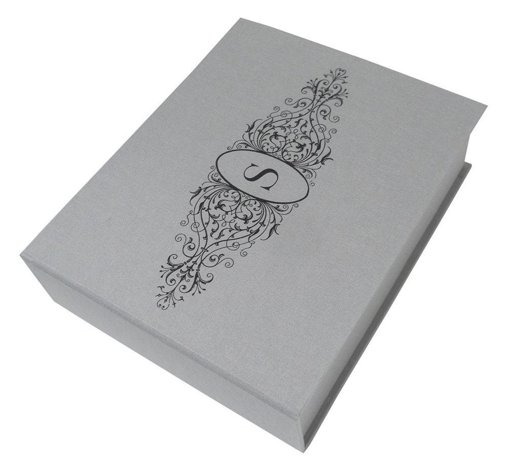 Monogramm-filigran-Rahmen-Andenken-Box 8x10x2.5