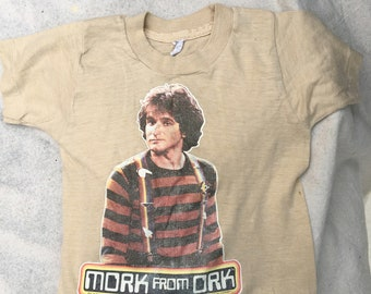a868fd9e502 1978 Mork and Mindy T-Shirt - Vintage Clothing - MORK from Ork - Paramount  Pictures 1978 - TV Shows - Vintage T-Shirt - Vintage Television